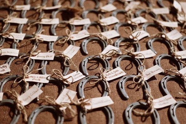 Favors That Will Dazzle Your Guests - OutOfMyBubble