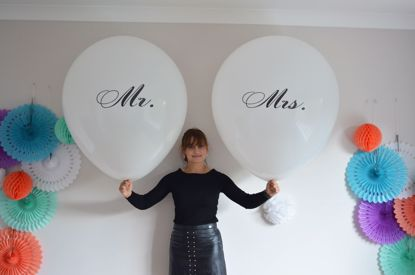Picture of Mr Mrs Balloons Giant 36 inch 3 feet Round Oval