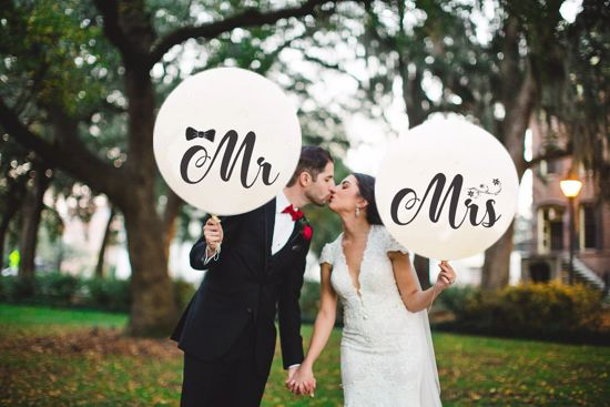 Picture of Mr Mrs White  Balloons Wedding Venue Decor