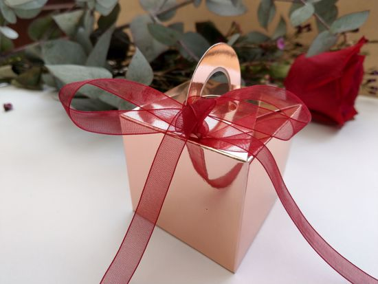 Picture of Rose Gold Wedding Favor Boxes 10 Burgundy Ribbon