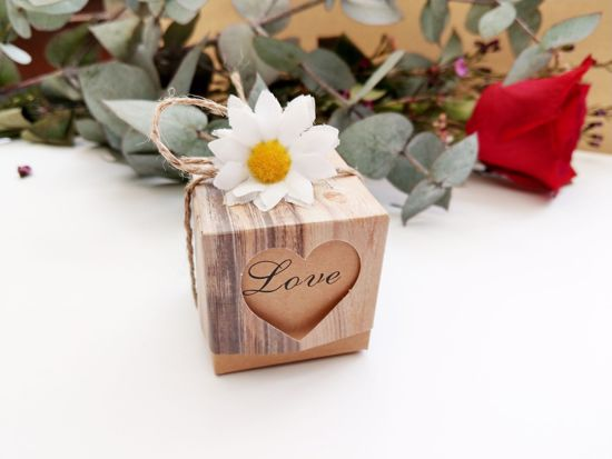 Picture of Rustic Wedding Favor Boxes Love Heart Flower