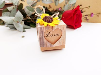 Picture of Rustic Wedding Favor Boxes Love Heart Sunflower