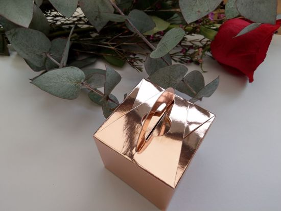 Picture of Rose Gold Wedding Favor Box Samples