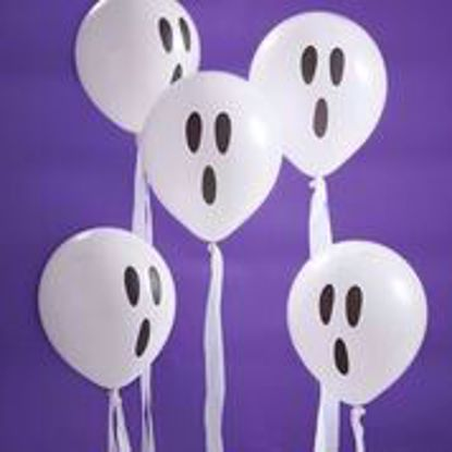 Picture of WHITE GHOST BALLOONS WITH STREAMERS - CREEP IT REAL