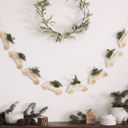 Picture of WOODEN CAR BUNTING & FOLIAGE DECORATION - LET IT SNOW