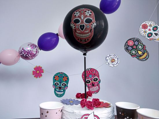 Picture of Balloon Cake Topper Halloween Skeleton