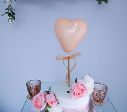 Picture of Balloon Cake Topper Heart Color Selection